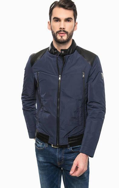 Короткая демисезонная куртка на молнии