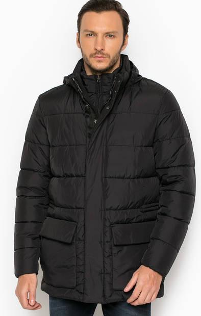 Черная куртка со скрытым капюшоном